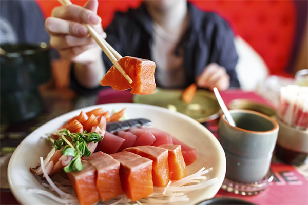 เข้าถึงการกินปลาดิบแบบญี่ปุ่น